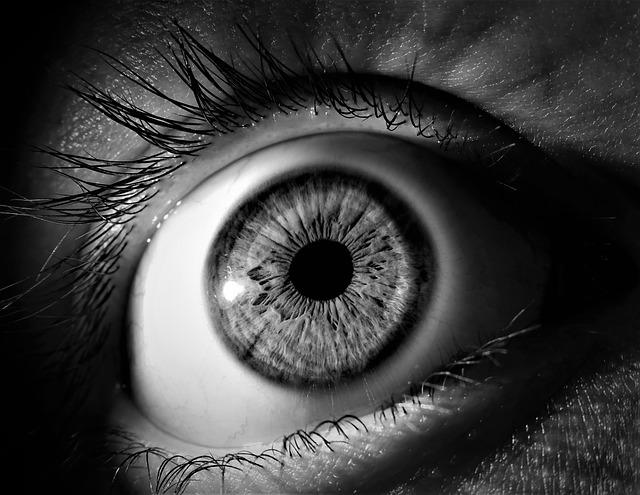 intervento agli occhi con la luce