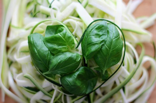 piatti freddi vegani, spaghetti di verdure