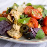 Panzanella: quando tradizione e alimentazione vegan s'incontrano