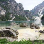 Lago di Braies: il luogo ideale per rigenerarsi e fare attività all'aperto